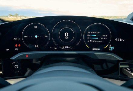 Porsche Taycan Dashboard resize1200252 C628quality82stripallssl1